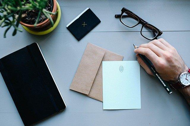再送メールの送り方|ビジネスメールの返信を催促する際の注意点と例文 ...